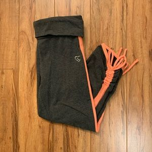 Grey Cropped Leggings with Salmon Stripe & Tie